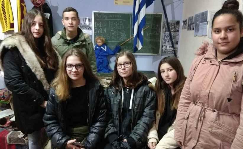 Το Γυμνάσιο Οξύνειας επισκέφθηκε στο Λαογραφικό Μουσείο Αγιόφυλλου