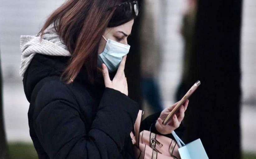 Κοροναϊός: Ειδικοί εφιστούν την προσοχή για τον ιό-Μένει στα κινητά μια βδομάδα