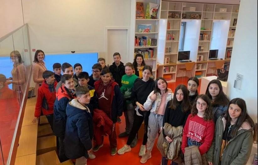 Στη Βιβλιοθήκη η Α΄ Τάξης του 2ου Γυμνασίου Καλαμπάκας