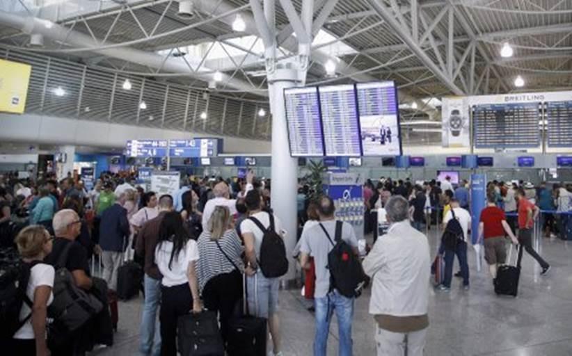Κοροναϊός: Διακόπτει τις αεροπορικές συνδέσεις με τη Βόρεια Ιταλία η Ελλάδα