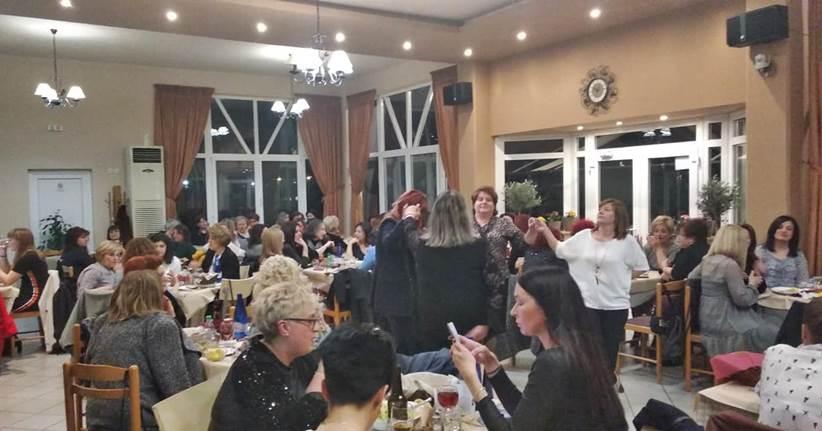 Οι γυναίκες διασκέδασαν την ημέρας τους, στην Ταβέρνα του Black