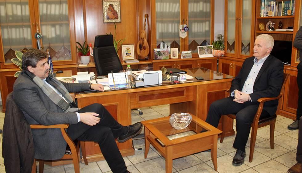 Στο Κέντρο Υγείας Καλαμπάκας και στο Δημαρχείο ο κ. Α. Ξανθός - Ικανοποίηση για τις δομές υγείας στην περιοχή μας