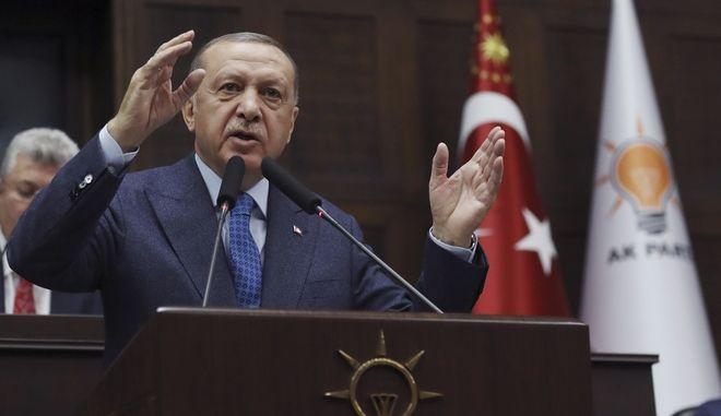 Κορονοϊός στην Τουρκία: Ο Ερντογάν άρχισε τις συλλήψεις