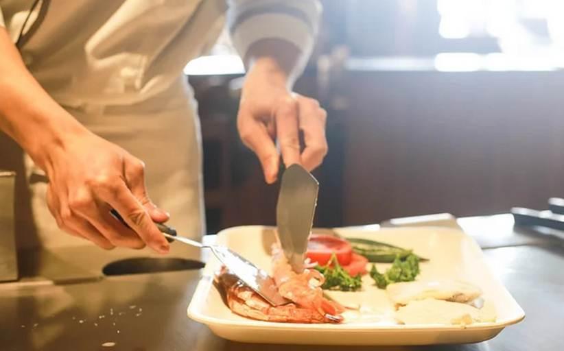 ΕΦΕΤ: Ο ιός μεταδίδεται και μέσα από τα τρόφιμα