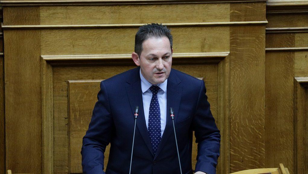 Πέτσας: Αναγκαιότητα το «Μένουμε σπίτι» κόστους 11εκατ. ευρώ –Τι είπε για τις δόσεις στις τηλεοπτικές άδειες