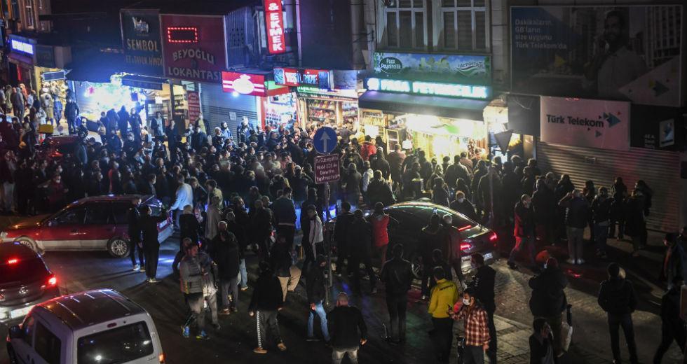 Σκηνές παραφροσύνης στην Τουρκία μετά το lockdown