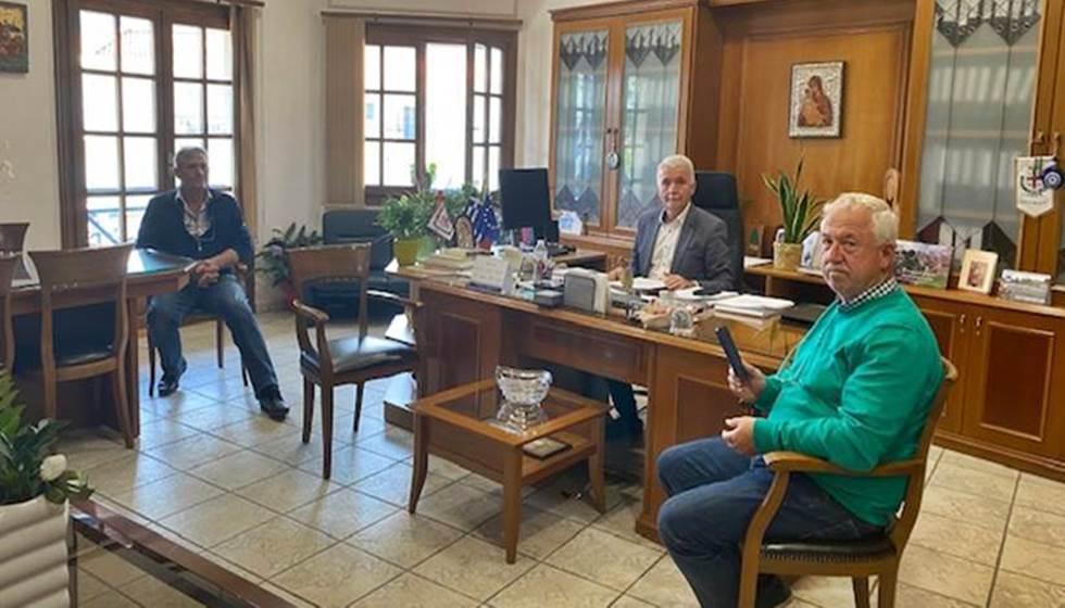 Σύσκεψη στο Δημαρχείο  - Τα αδέσποτα και πάλι στο προσκήνιο...