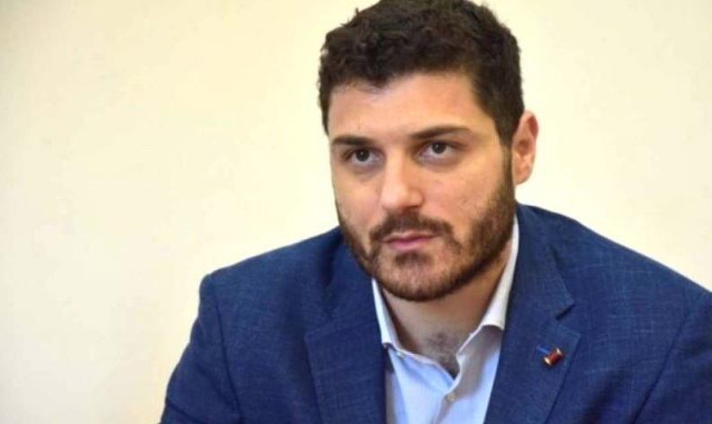 Δ. Τεμπονέρας προς Κ. Μητσοτάκη: Εμείς δεν σκυλεύουμε νεκρούς, τους τιμάμε με αγώνες