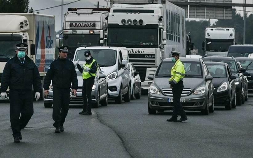 Διόδια Αφιδνών: Ουρές από οχήματα που εγκαταλείπουν την Αθήνα