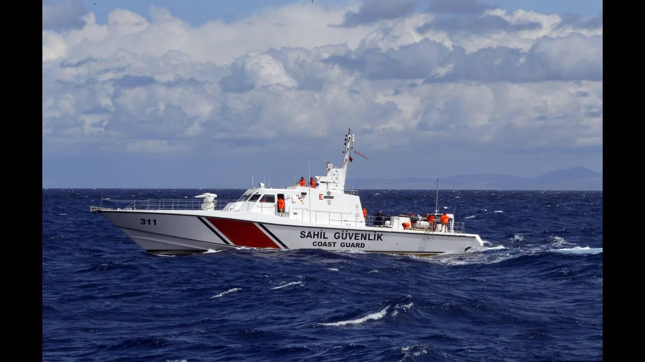 Οινούσσες: Η τουρκική ακτοφυλακή παρενόχλησε σκάφος της Frontex και Έλληνες ψαράδες