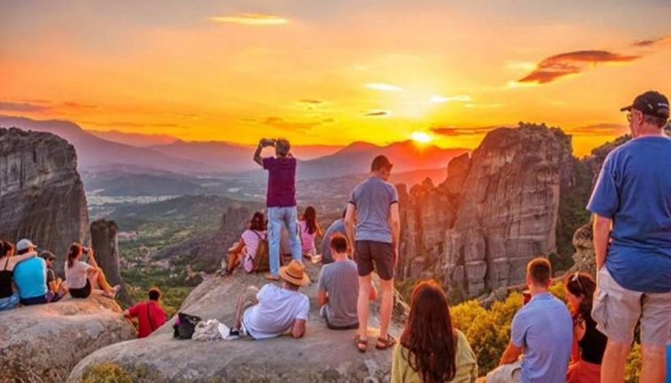 Ανοίγουν τη Δευτέρα οι πύλες για τον τουρισμό - Από ποιες χώρες αίρονται οι περιορισμοί