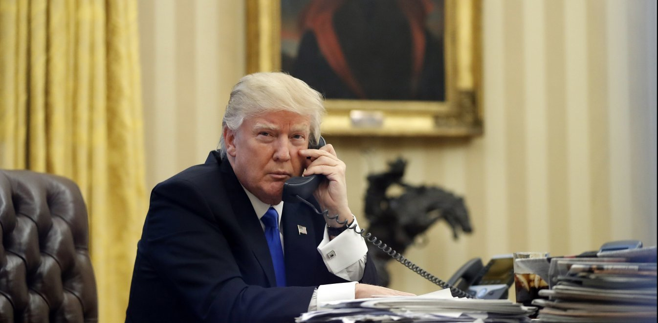 Απόρρητες συνομιλίες: Ο Τραμπ είπε «ηλίθια» τη Μέρκελ και έκανε bullying στη Μέι