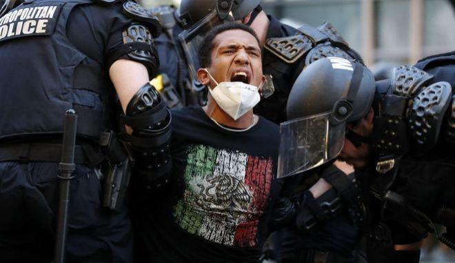Δολοφονία Τζορτζ Φλόιντ: Καταστολή και μαζικές συλλήψεις διαδηλωτών - Νεκρός Αφροαμερικανός εστιάτορας