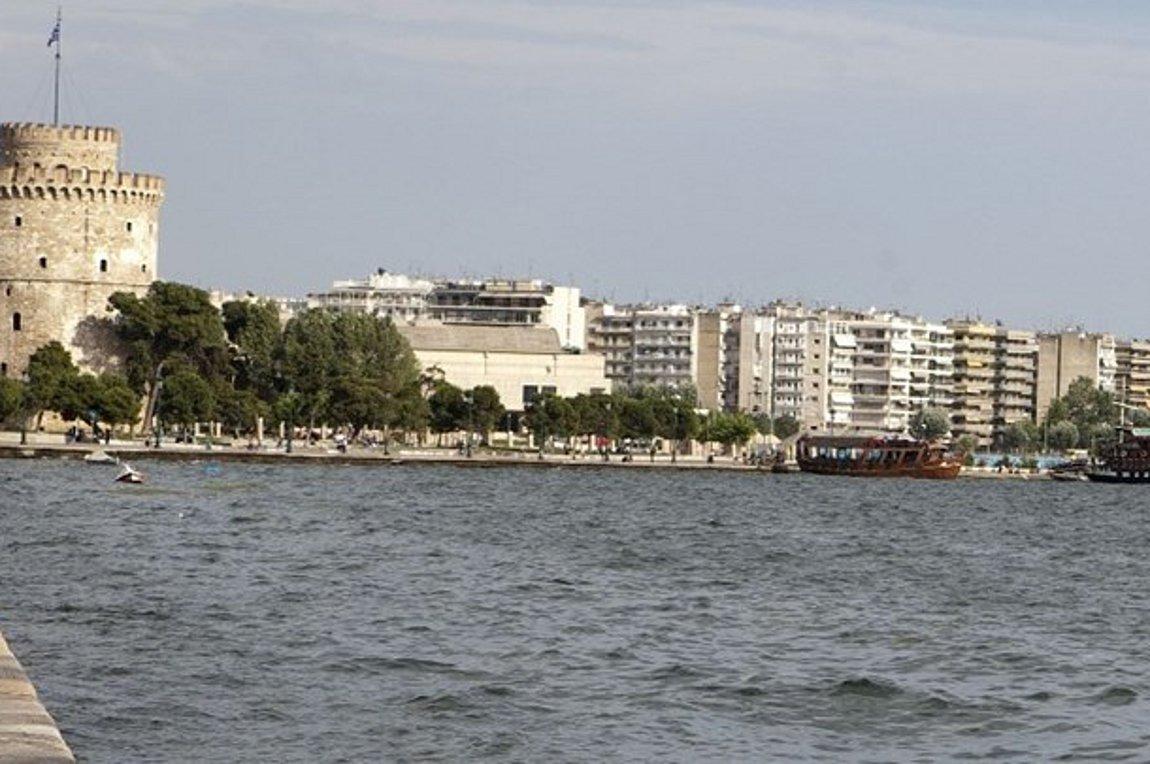 Θεσσαλονίκη: 66χρονος έπεσε στον Θερμαϊκό