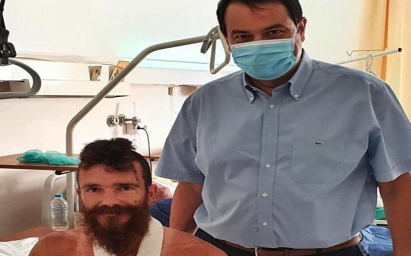 Στο ethnos.gr ο 25χρονος που τα έβαλε με αρκούδα: Θα με έτρωγε, με έσωσαν τα σκυλιά μου
