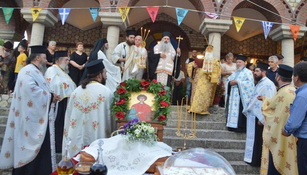 Με θρησκευτική ευλάβεια ο Εσπερινός στον Ιερό Ναό του Αγίου Παντελεήμονος στη Διάβα