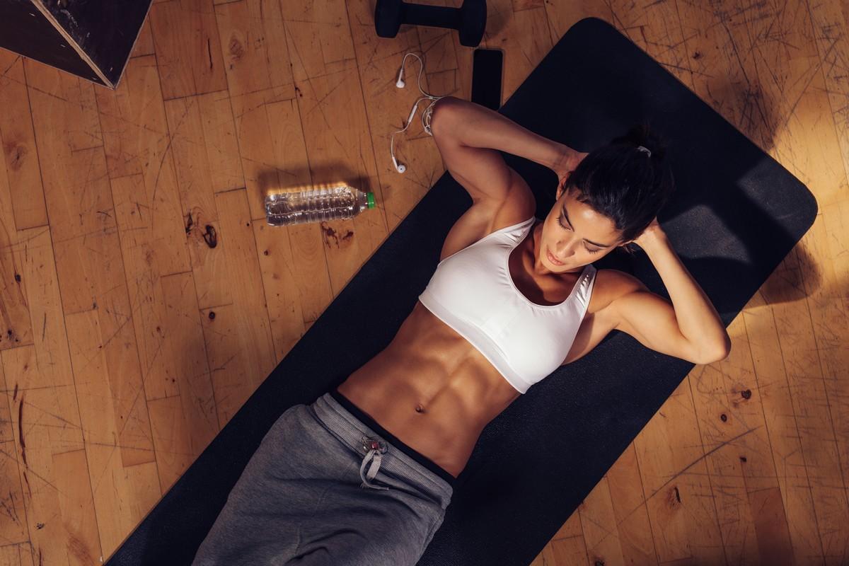 Κοιλιακοί: Η μόνη άσκηση που πρέπει να κάνεις, διαρκεί 10 δευτερόλεπτα