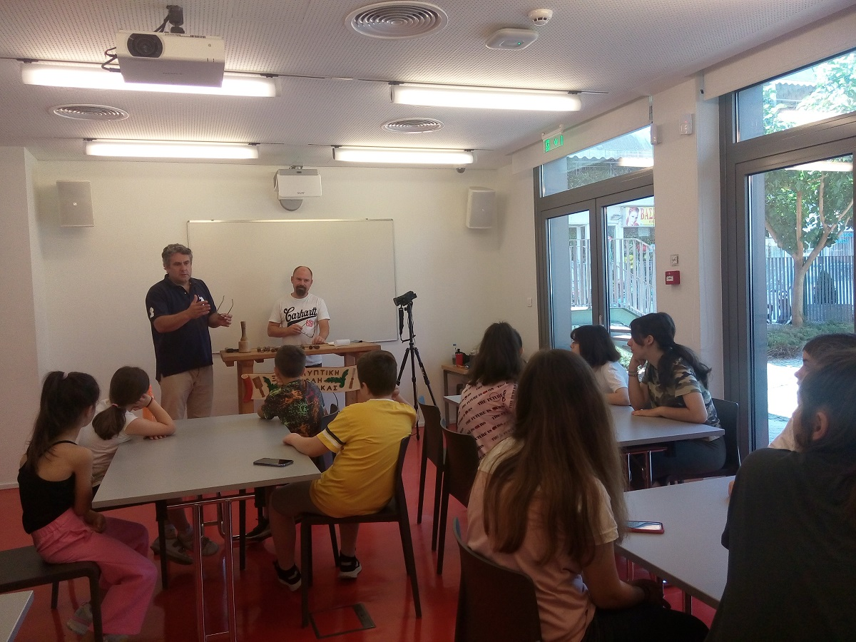 Βιβλιοθήκη Καλαμπάκας: Πραγματοποιήθηκε η δεύτερη φάση του εργαστηρίου ξυλογλυπτικής