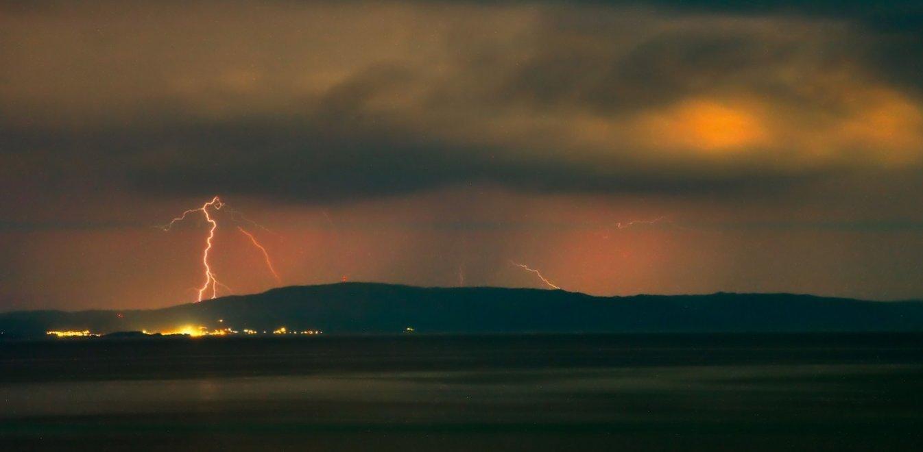 Καιρός από τον Κλέαρχο Μαρουσάκη: Καταιγίδες και χαλάζι μέχρι την Τρίτη