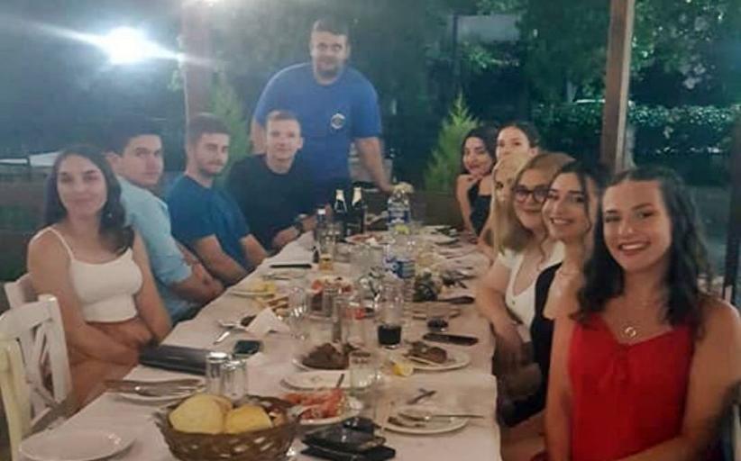 Δείπνο στους επιτυχόντες, φοιτητές πλέον, του ΓΕΛ και ΕΠΑΛ Καλαμπάκας, από την Ταβέρνα