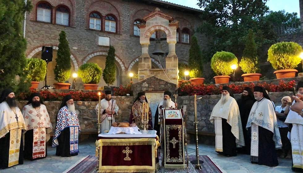 Με θρησκευτική κατάνυξη τελέστηκε ο Πανηγυρικός Εσπερινός στην Ιερά Μονή Μεταμορφώσεως του Σωτήρος