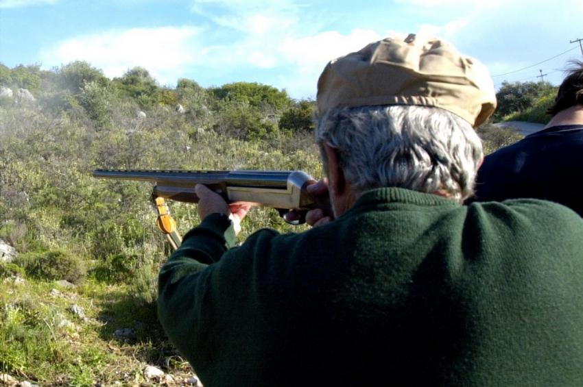 Πύργος: Πατέρας πέρασε τον γιο του για αλεπού και τον πυροβόλησε