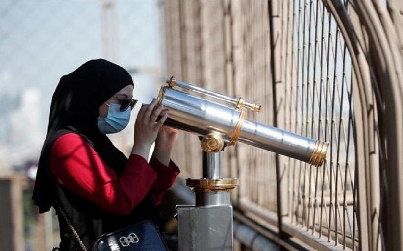 Υποχρεωτική η χρήση της μάσκας σε εξωτερικούς χώρους και στο Παρίσι