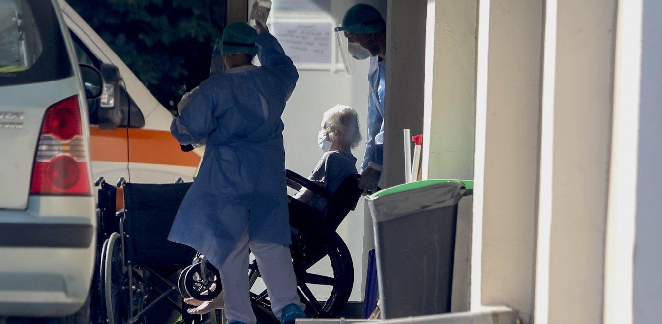 Κορονοϊός: Δύο νεκροί από το γηροκομείο, 5 συνολικά σήμερα και 221 στη χώρα