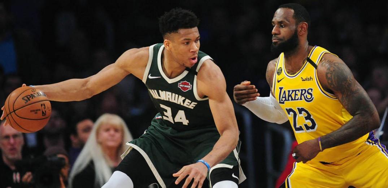 NBA: Νέα τρομερή επίδοση από τον Γιάννη Αντετοκούνμπο