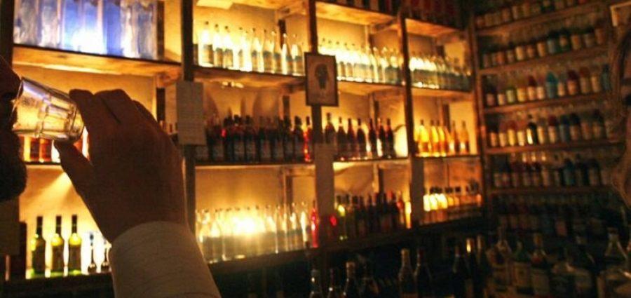 Νέο ωράριο προωθεί η κυβέρνηση για τα μπαρ, εστιατόρια λόγω κορονοϊού