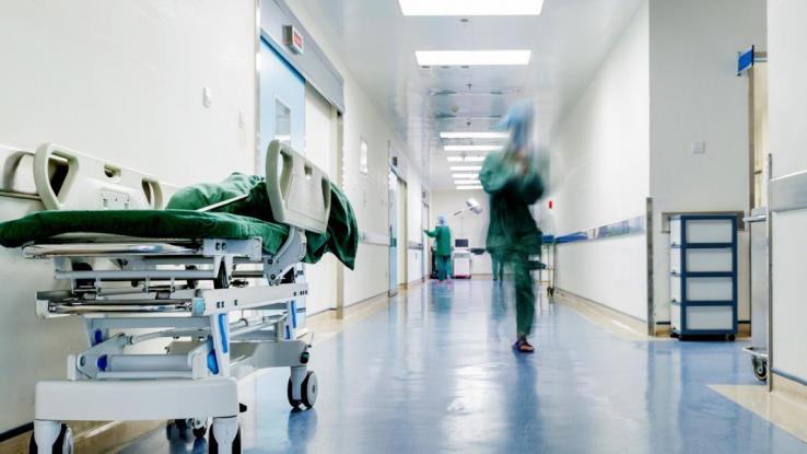 ΕΟΔΥ: Στα 75 τα κρούσματα και δυο οι νέοι θάνατοι