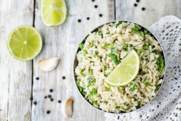 Άγριο ρύζι με τόνο από την ακτή Αμάλφι