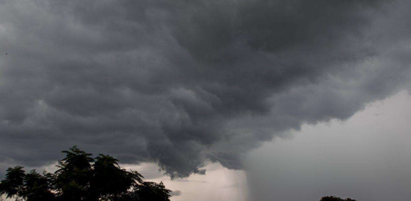 Κακοκαιρία Ιανός: «Χτύπησε» Κεφαλονιά, Ιθάκη και Ζάκυνθο - Πλημμύρες, πεσμένα δέντρα, κομμένοι δρόμοι