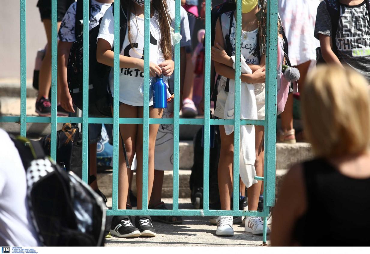 Κρήτη: Γονέας έστειλε στο νοσοκομείο καθηγητή για τη μάσκα