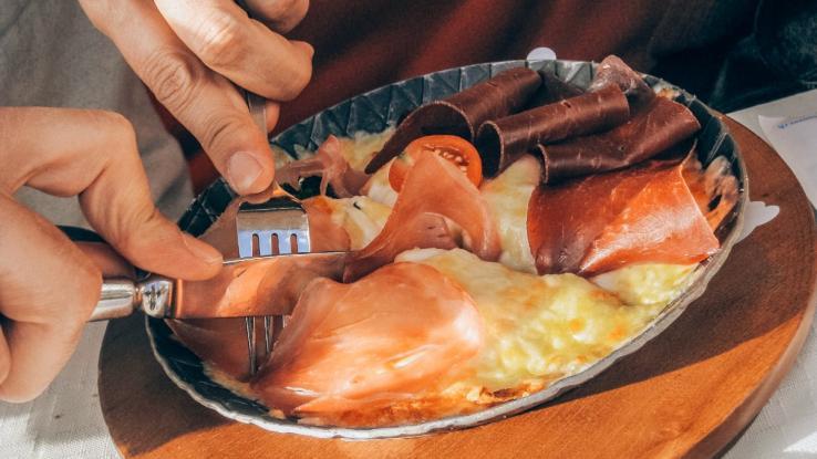 Υψηλή Χοληστερόλη: Ανατροπή από νέα έρευνα - Δεν είναι τα λιπαρά ο πραγματικός εχθρός