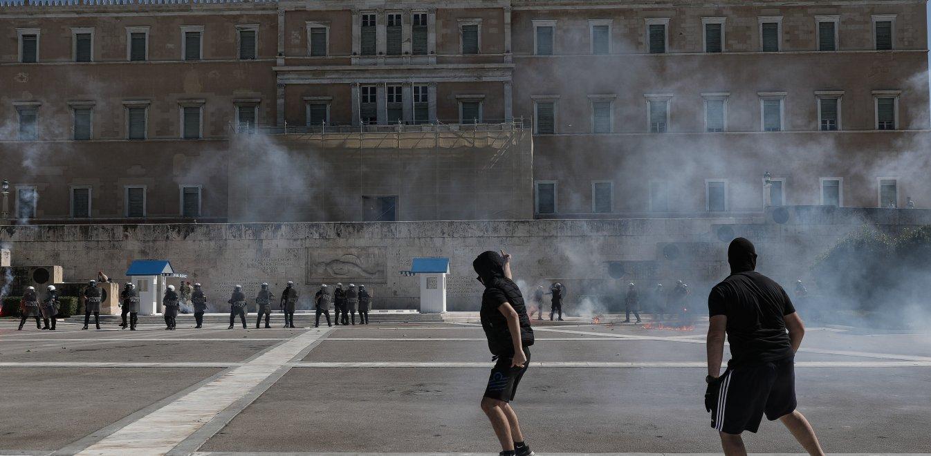 Επεισόδια στο μαθητικό συλλαλητήριο: Συνελήφθη 17χρονος που πέταξε μολότοφ