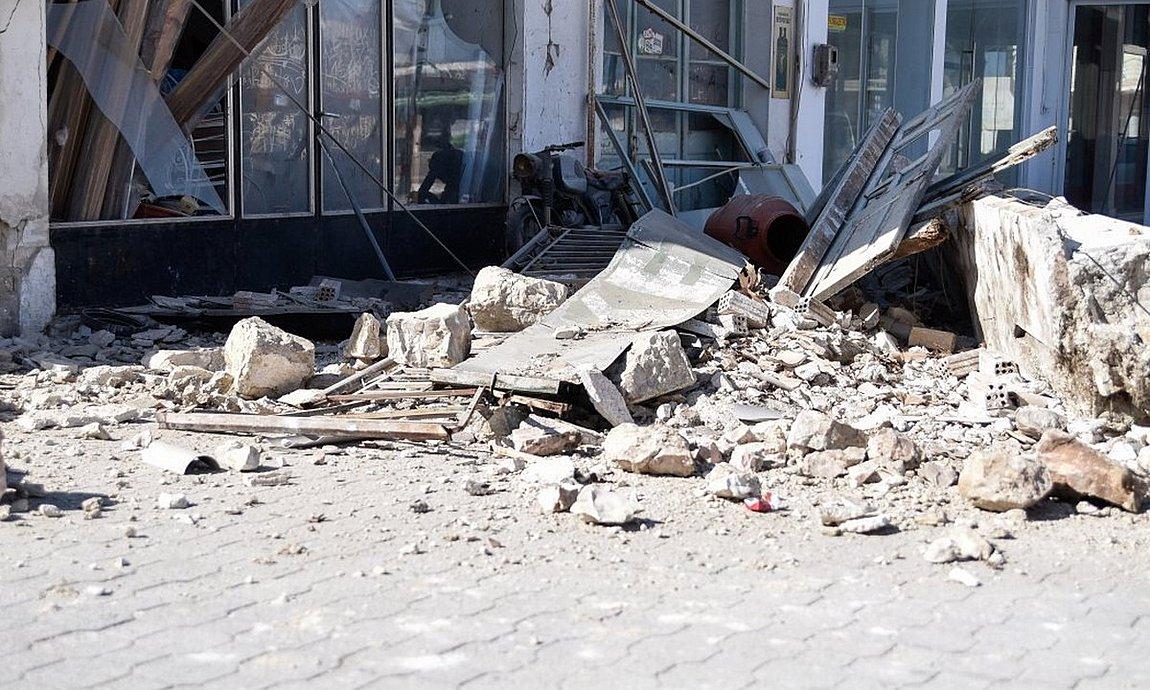 Σεισμός στη Σάμο: 2 νεκροί, 19 τραυματίες και τεράστιες ζημιές