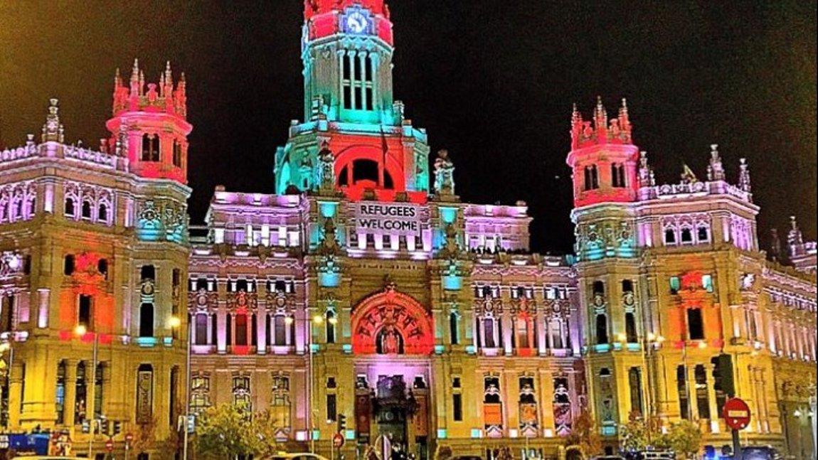 Η Μαδρίτη άναψε τα χριστουγεννιάτικα φωτάκια της σε πάνω από 200 δρόμους