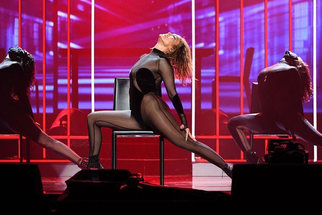 American Music Awards: Το ρεκόρ της Τέιλορ Σουίφτ και η εμφάνιση της Τζένιφερ Λόπεζ