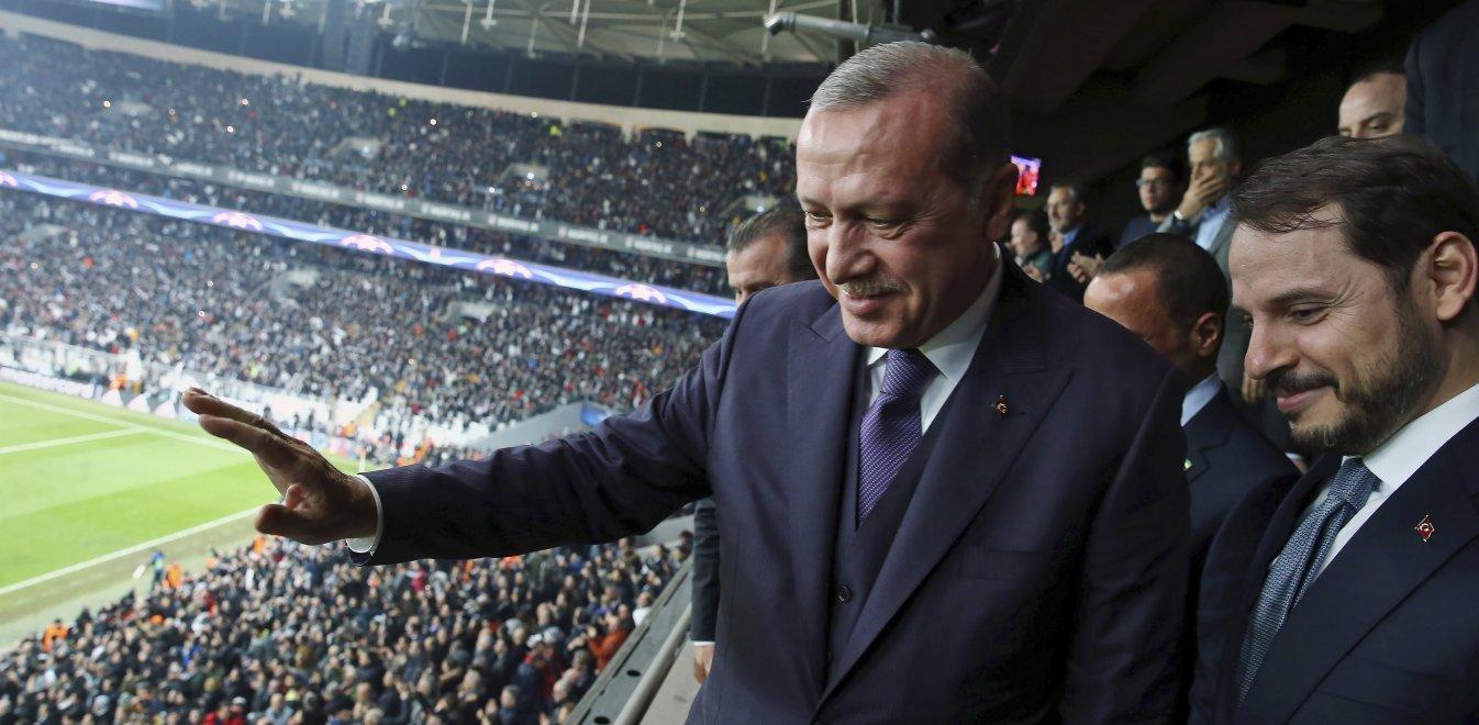 Τουρκία: Παραιτήθηκε ο υπουργός Οικονομικών και γαμπρός του Ερντογάν