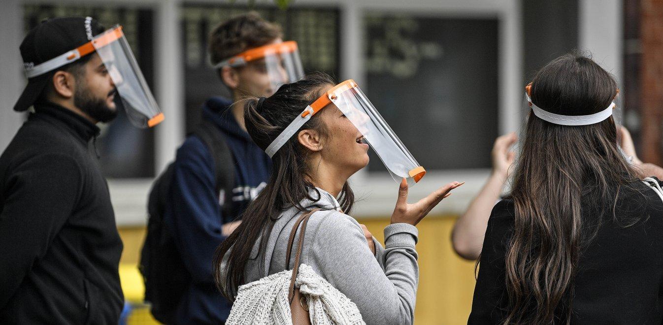 Κορονοϊός - Lockdown: Πρόστιμο σε όσους φορούν μάσκα ασπίδα - Ποιοι εξαιρούνται