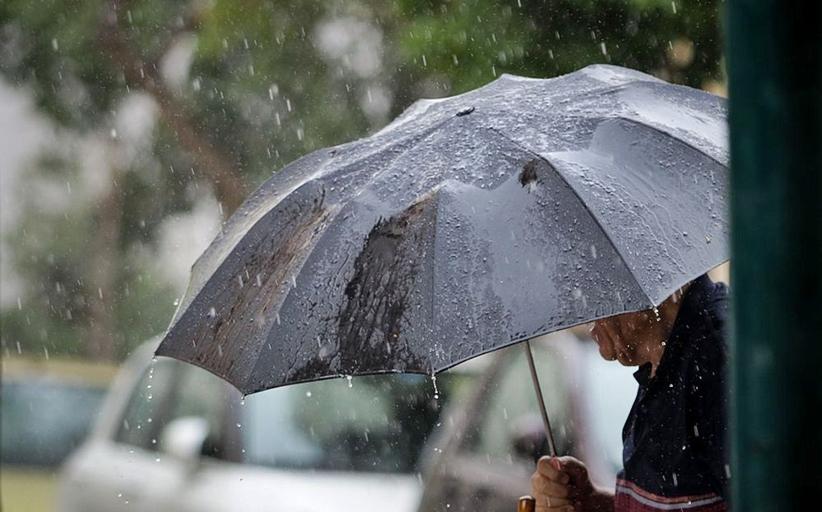 Καιρός: Χειμωνιάτικο το σκηνικό - Πού θα εκδηλωθούν καταιγίδες και χιονοπτώσεις