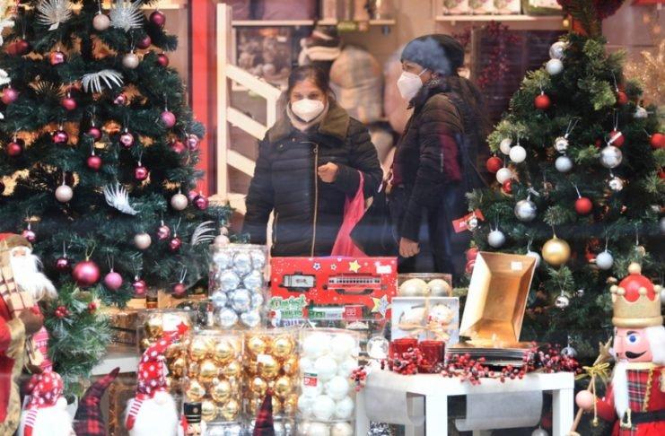 Τα Χριστούγεννα στην Ευρώπη θυσιάζονται στο «βωμό» του κορονοϊού