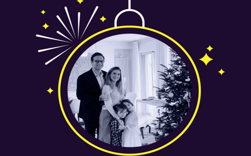Καλή Χρονιά και ευτυχισμένο το 2021 από τον Μ. Χατζηγάκη και την οικογένειά του