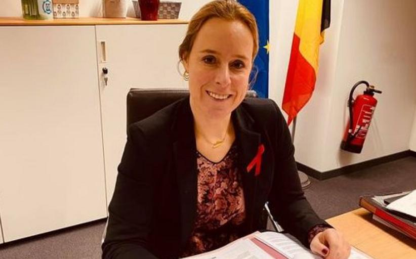 Υπουργός στο Βέλγιο δημοσιοποίησε τις τιμές των εμβολίων