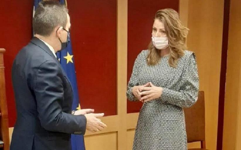 Συνάντησή της με τονΥφυπουργό στον Πρωθυπουργό & Κυβερνητικό Εκπρόσωπο κ. Στέλιο Πέτσα.