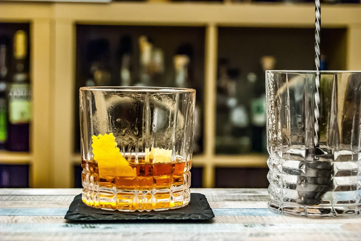Πώς θα δημιουργήσεις πανεύκολα στο σπίτι σου 3 iconic cocktails