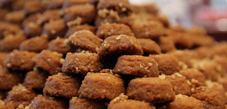 Μελομακάρονα: Έξι συνταγές του χριστουγεννιάτικου γλυκίσματος για να διαλέξετε