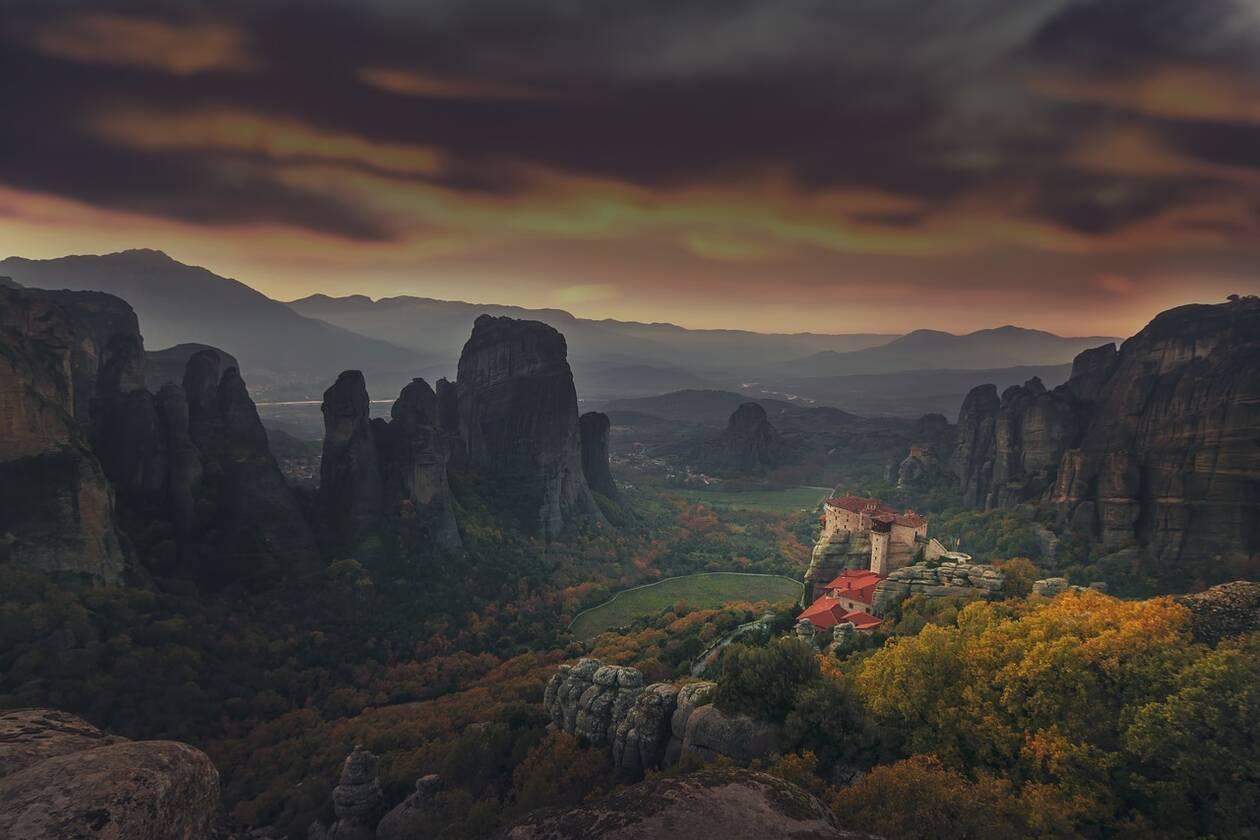 Τα Μετέωρα στις πρώτες  θέσεις των μεγάλων ταξιδιωτικών οδηγών Lonely Planet και National Geographic Traveller