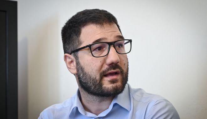Ηλιόπουλος: Με ένα μήνα καραντίνα και 100 απώλειες καθημερινά, κάτι δεν δουλεύει